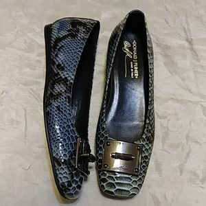 Donald J. Pliner Snakeskin Leather Flats